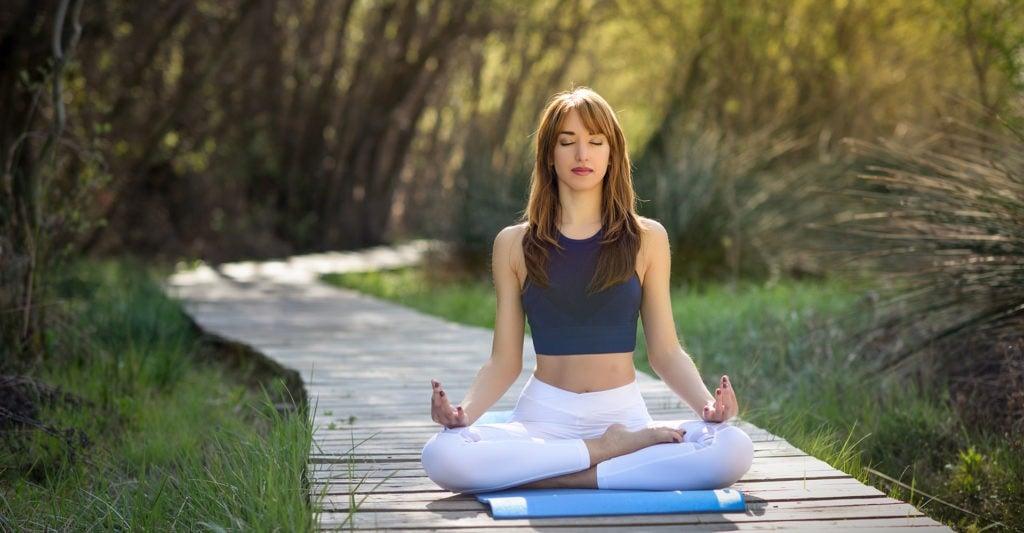 image femme corps meditation